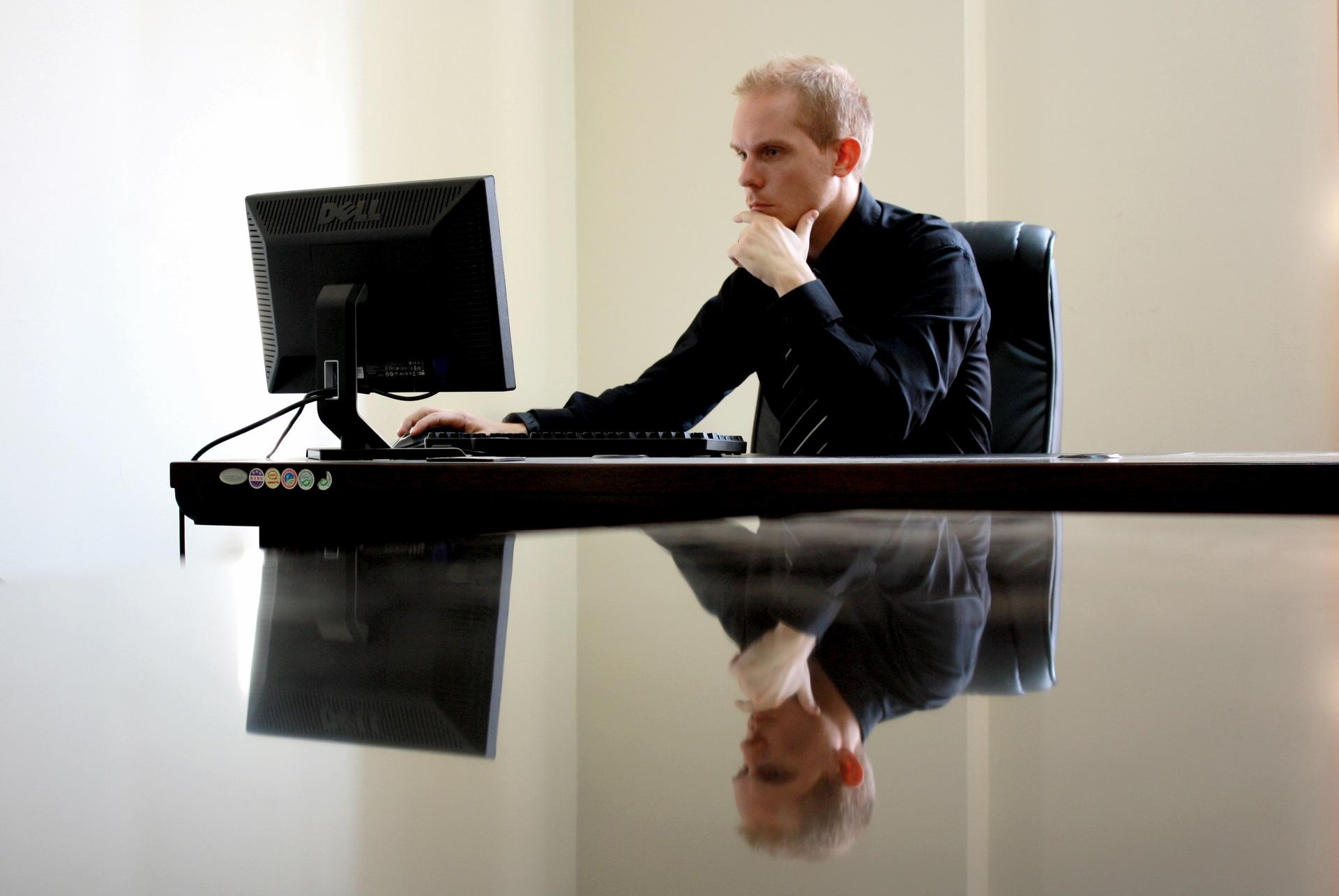 仕事がうまくいかないのは何故?「仕事が出来る人」「出来ない人」の特徴