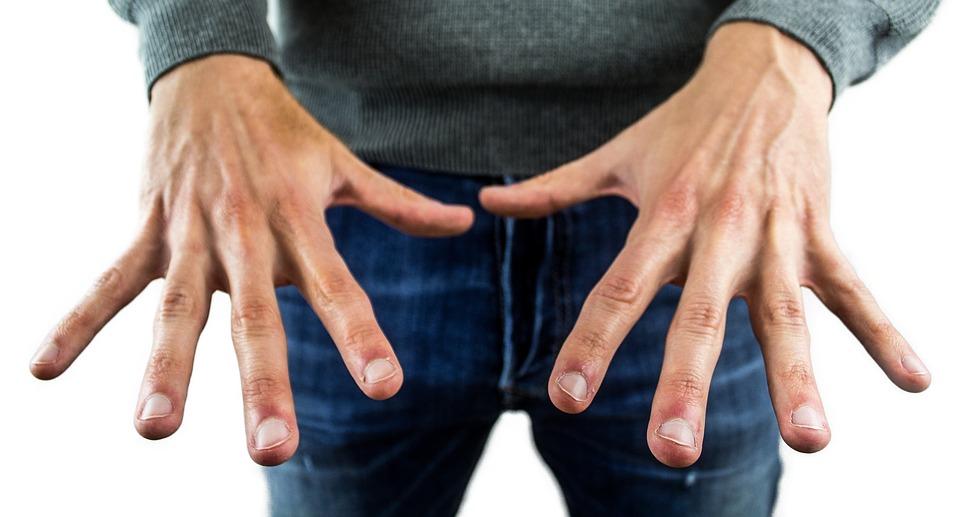 爪に現れる白い点は幸運が訪れる印?