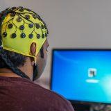 特殊な脳波を創り出す?不思議なヘミシンクについて