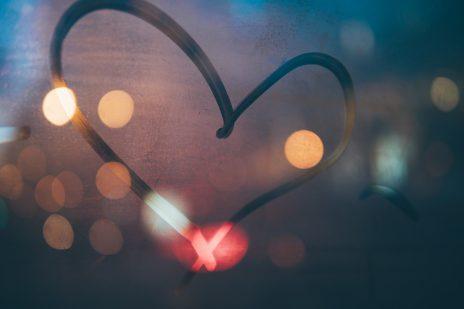【自分の性格を分析】血液型別の性格の特徴・恋愛傾向を徹底解説!