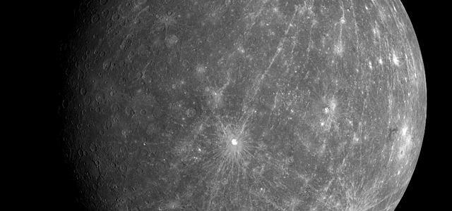 正しく知りたい占星術における水星の逆行とその意味とは?