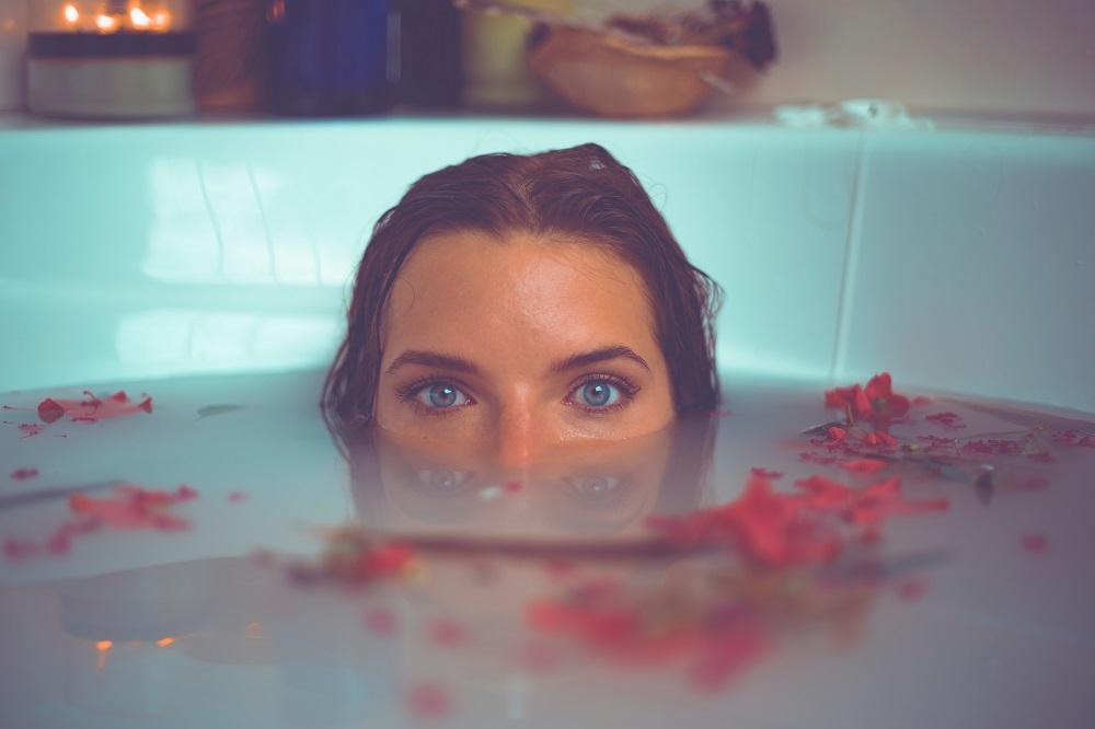 あなたはお風呂でどこから体を洗う?お風呂で最初に洗う体の部位占い