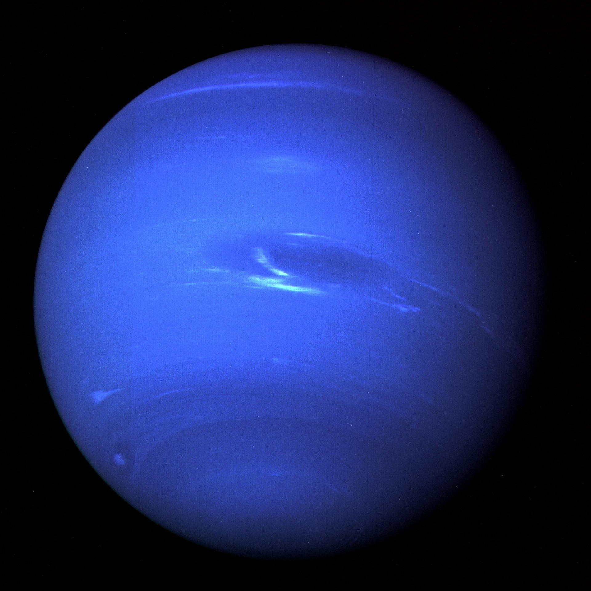 正しく知りたい占星術における海王星の逆行とその意味とは?