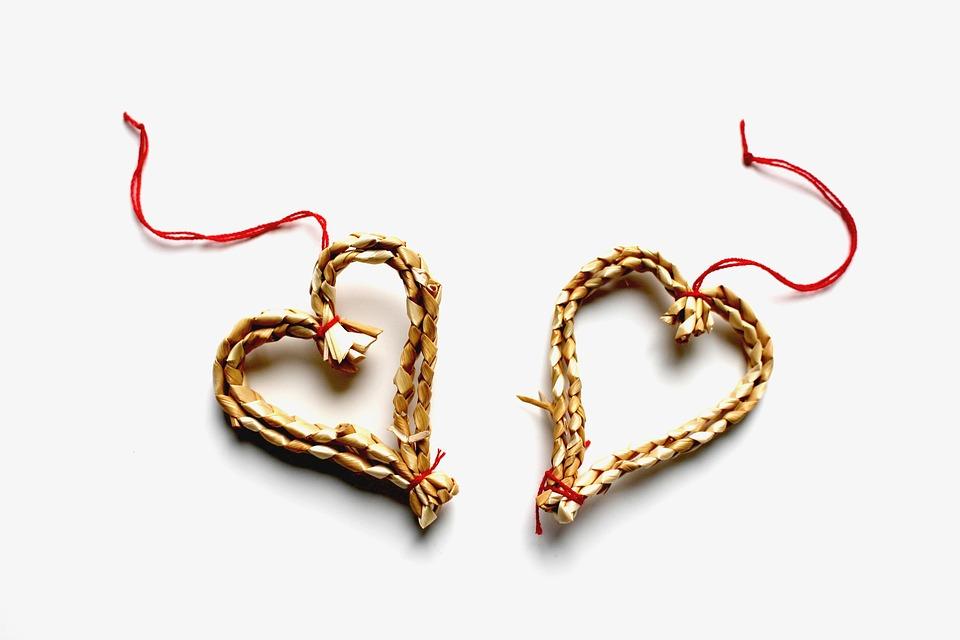 【星座別】クリスマスから年始にかけての恋愛運を解説