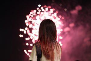 花火を見るだけで運気がアップする!?花火の起源やスピリチャル的な意味を紹介
