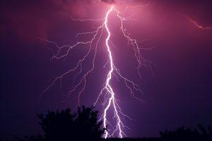 夢占い-雷の夢は何を意味するのか?