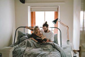自粛による破局が急増!?同棲したがらない男性の心理と説得する方法3つ