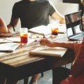 職場の辛い人間関係に悩んでいる方へ!人間関係を改善する方法